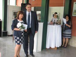 Д-р Валентин Василев - Кмет на Община Разград, връчи наградите на заслужилите учители  на Разград. 1